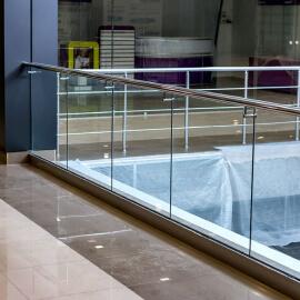 Перила из стекла от «MDL» Building Company